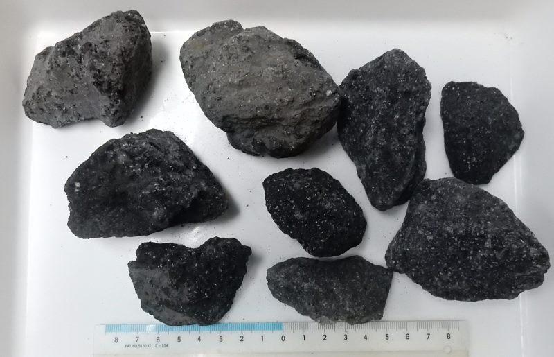 画像1: 溶岩石画像の量で